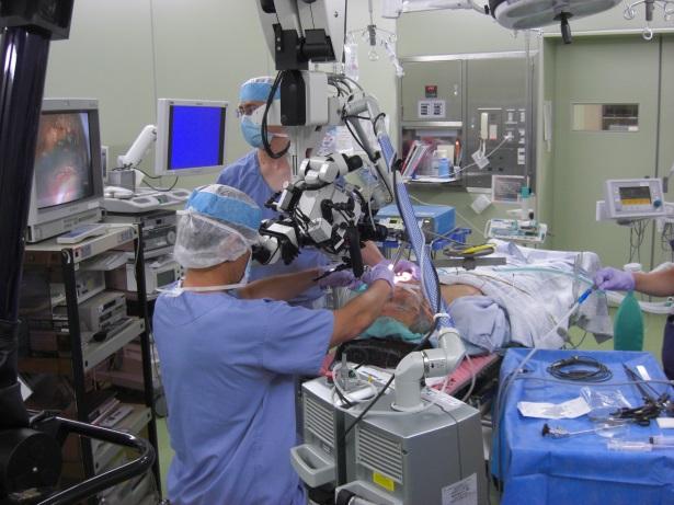 喉頭がんのCO2レーザーによる切除